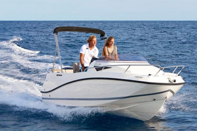 Sportboot-Führerschein Binnen Unter Motor