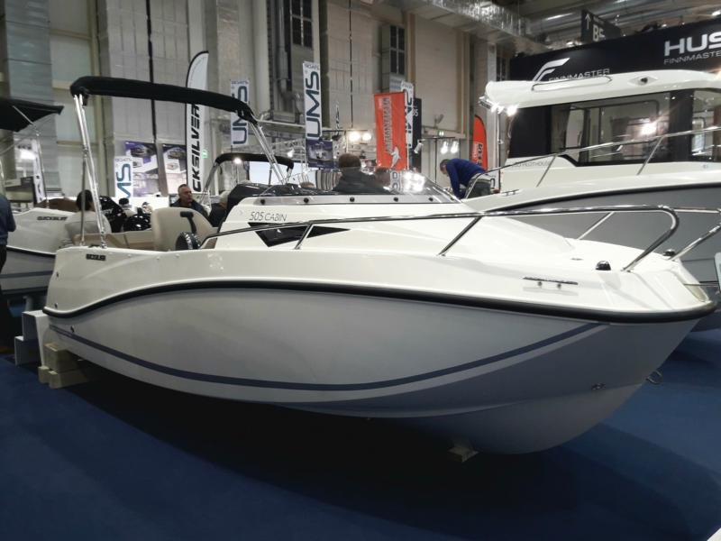 Neues Boot Für Die Motorbootausbildung